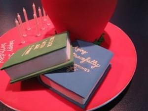 Торт из мастики для студентов и учеников-шаг 9
