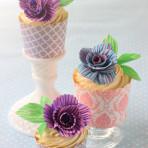 Десерт к 8 Марта. Как украсить кексы или маффины. Украшение из айсинга – видео