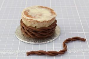 Торт из мастики Корзинка. Красивый десерт к Пасхе, мастер-класс-шаг 5
