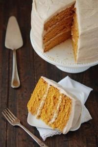 Морковный торт с корицей и орехами – полезный десерт для всей семьи!