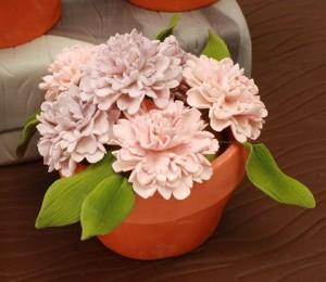 Торт, украшенный цветами – идеи-шаг 2