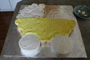 Детский торт Коляска – мастер-класс-шаг 5