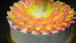 Украшение домашнего торта. Торт Цветок – видео-шаг 1