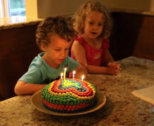 Как украсить детский торт просто и при этом эффектно – мастер-класс-шаг 8