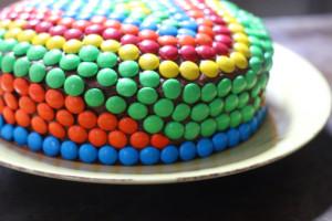 Как украсить детский торт просто и при этом эффектно – мастер-класс-шаг 7