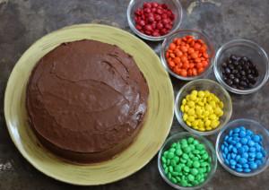 Как украсить детский торт просто и при этом эффектно – мастер-класс-шаг 4