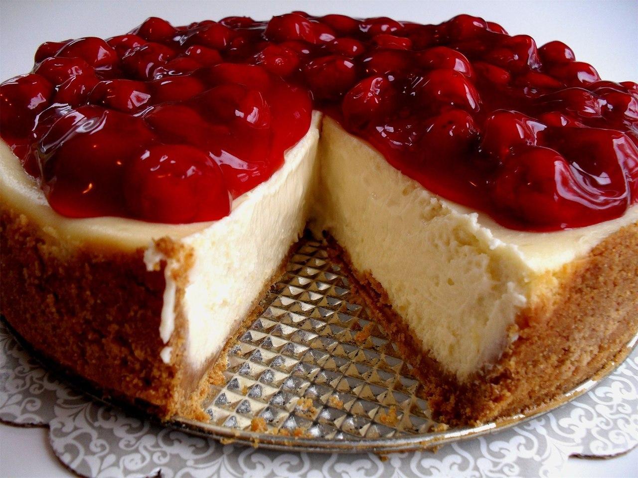 торт с вишнями творожный
