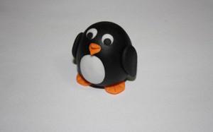 Животные из мастики – пингвин. Мастер-класс-шаг 12