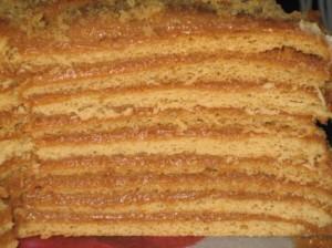 Торт со сгущенкой и сметанным кремом