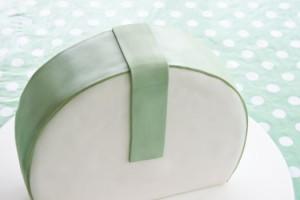 Торт сумка из мастики – мастер-класс-шаг 8