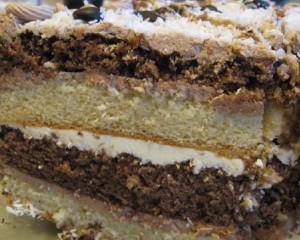 Новогодний бисквитный торт «Часы»-шаг 1