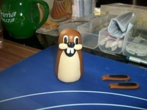 Фигурки из мастики – веселый кролик-шаг 4