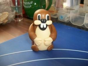 Фигурки из мастики – веселый кролик-шаг 7