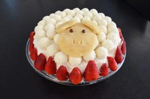Новогодний торт 2015 Овца на полянке