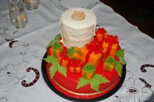 Новогодний торт Подарки – украшаем десерт оригинально!-шаг 1