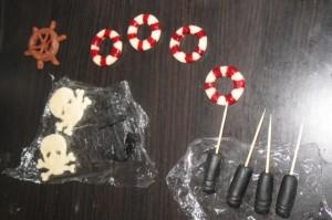 Торт из мастики для детей – Пиратский корабль-шаг 6