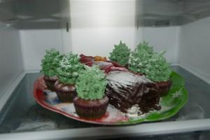 Рождественский торт Полено с елочками – сказочное чудо!-шаг 1