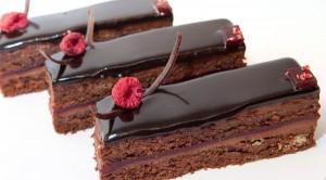 Шоколадная глазурь из шоколада и молока-шаг 1