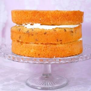 Как украсить торт масляным кремом – мастер-класс с видео-шаг 1