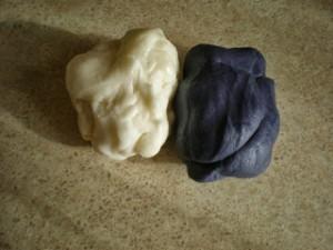 Как покрасить мастику в фиолетовый цвет-шаг 6