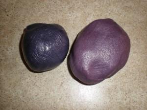 Как покрасить мастику в фиолетовый цвет