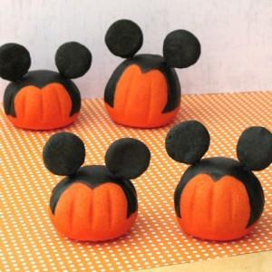 Как покрасить мастику в оранжевый цвет