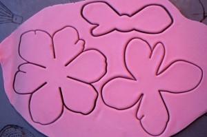 Цветы из мастики – мастер-класс. Делаем цветок анемона из мастики-шаг 2