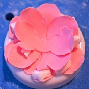 Цветы из мастики – мастер-класс. Делаем цветок анемона из мастики-шаг 7