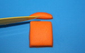 Как покрасить мастику в оранжевый цвет-шаг 3