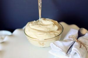 Крем под мастику – масляный на яичных белках