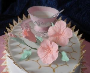 Чашка с блюдцем из мастики – видео-рецепт-шаг 3