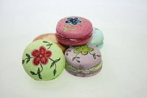 Как украсить торт или другие кондитерские изделия пищевыми фломастерами. Порисуем?-шаг 1