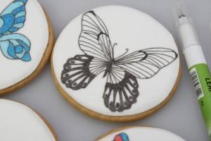 Как украсить торт или другие кондитерские изделия пищевыми фломастерами. Порисуем?-шаг 5