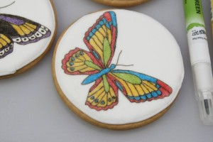 Как украсить торт или другие кондитерские изделия пищевыми фломастерами. Порисуем?