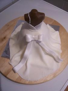 3D торт Наряд невесты. Свадебный торт из мастики – мастер-класс-шаг 17