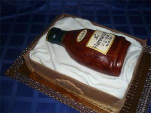 3D торт Бутылка вина. Видео-рецепт приготовления торта из мастики-шаг 1