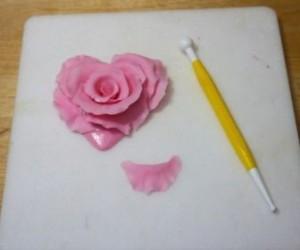 Роза из масти – оригинальное изготовление и фантастически красивый вид!-шаг 8