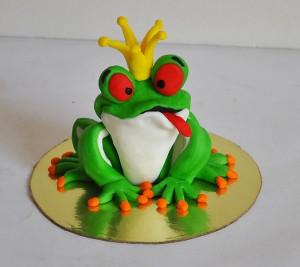 Животные из мастики: жабка. Видео-рецепт-шаг 1