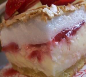 Творожный торт с ягодами Сказка