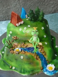 Животные из мастики: жабка. Видео-рецепт-шаг 3