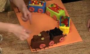 Детский торт Поезд. Видео-рецепт-шаг 1