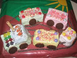 Детский торт Поезд. Видео-рецепт-шаг 2