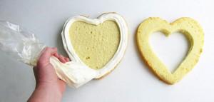 Торт из мастики Клубника – мастер-класс-шаг 3