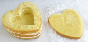 Торт из мастики Клубника – мастер-класс-шаг 4