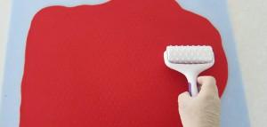 Торт из мастики Клубника – мастер-класс-шаг 8