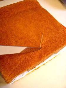 Торт из мастики Подушка. Мастер-класс-шаг 2