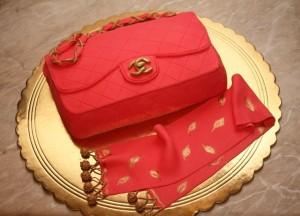 3D-торт из мастики. Торт Сумка – видео-рецепт-шаг 3