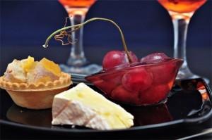 Крем с маскарпоне, грушами и виноградом-шаг 1