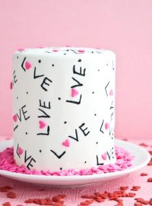 Торт из мастики Для любимых-шаг 4