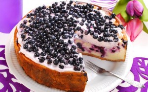 Бисквитный торт с ягодным суфле в мультиварке